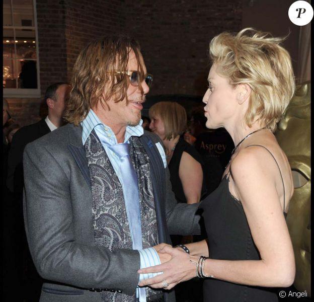 Sharon Stone et Mickey Rourke, main dans la main... Un nouveau couple en vue ?
