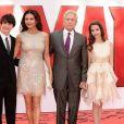 """Catherine Zeta Jones, Michael Douglas et leurs enfants Dylan et Carys - Première du film """"The Ant-Man"""" à Londres. Le 8 juillet 2015"""