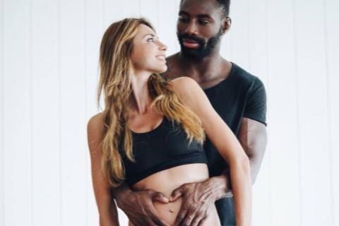 """Ariane Brodier enceinte : """"J'attends un enfant de l'homme de ma vie"""""""