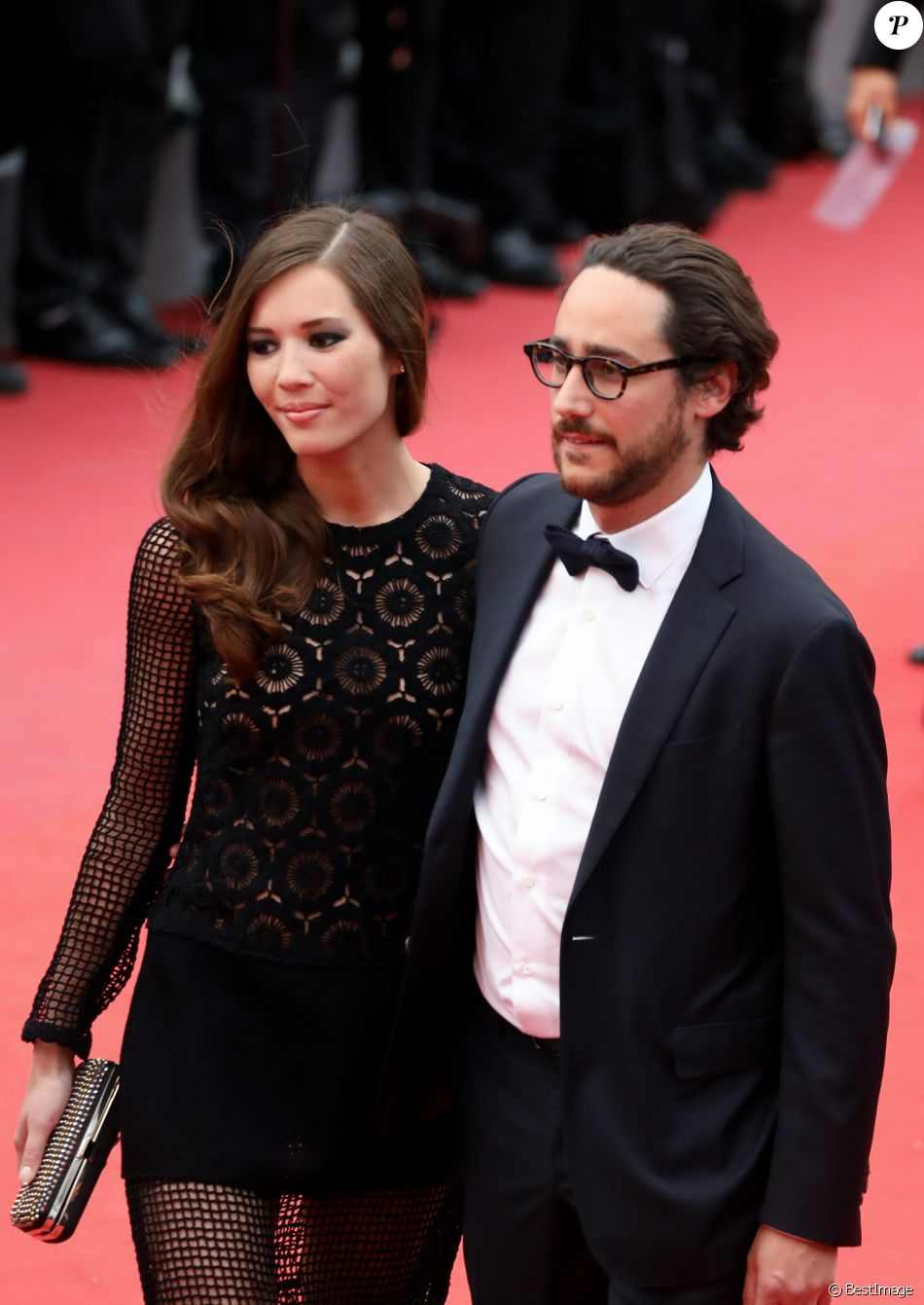 "Thomas Hollande et sa compagne Emilie Broussouloux - Montée des marches du film ""L'Amant Double"" lors du 70ème Festival International du Film de Cannes. Le 26 mai 2017. © Borde-Jacovides-Moreau / Bestimage"