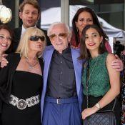 Charles Aznavour : Honoré et ému en compagnie de sa petite-fille et de sa fille
