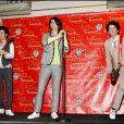 Kevin, Joe et Nick : les Jonas Brothers passionnent les foules (plutôt jeunes) et sont... partout ! Les voici en cire chez Mme Tussauds !