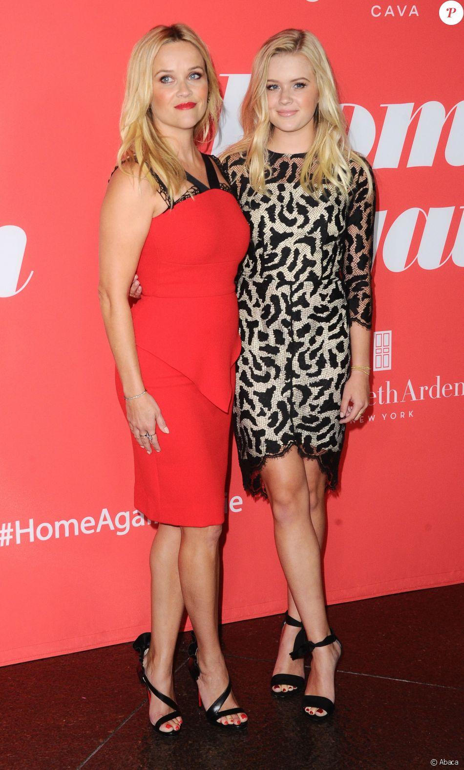 """Reese Witherspoon et sa fille Ava Phillippe à l'avant-première du film """"Home Again"""" à Los Angeles le 29 août 2017"""