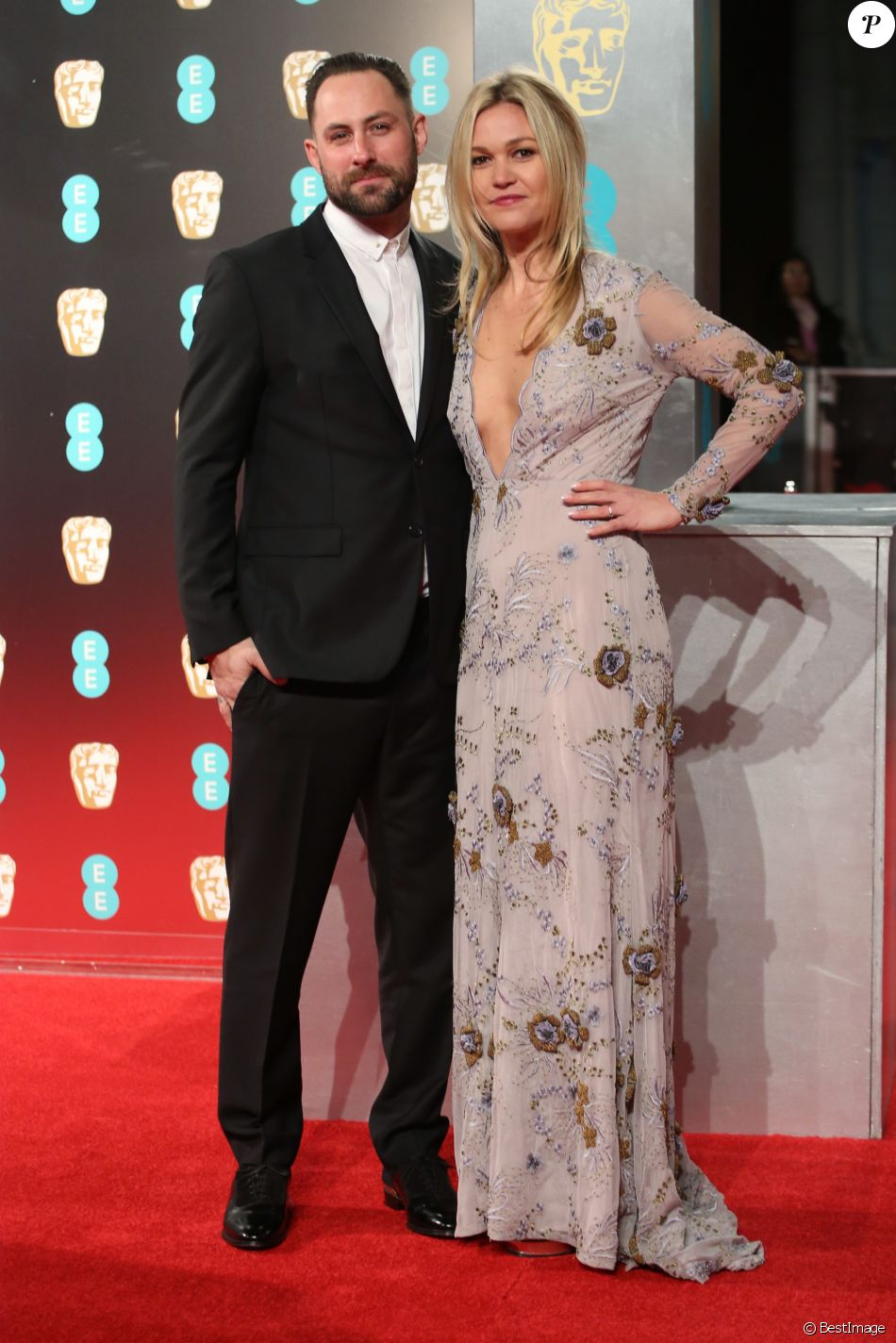 Preston J.Cook et sa fiancée Julia Stiles - Arrivées aux BAFTA 2017 (British Academy Film Awards) au Royal Albert Hall à Londres, le 12 février 2017.