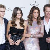 Cindy Crawford et ses enfants Presley et Kaia font le show pour Omega