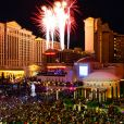 Feu d'artifices au dessus du Caesars Palace à Las Vegas, le 31 décembre 2015