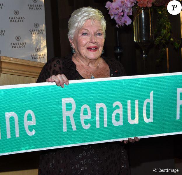 Line Renaud - Line Renaud a dévoilé une plaque de rue portant son nom à Las Vegas, Line Renaud Rd. Le 28 septembre 2017 © Chris Delmas / Bestimage