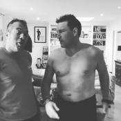 "Benjamin Castaldi, torse nu, dévoile son nouveau corps : ""J'ai perdu 7 kg"""