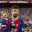 Gerard Pique et son fils Sasha - Espagne : Messi offre la Coupe du Roi au Barça face à Alavés le 27 mai 2017.