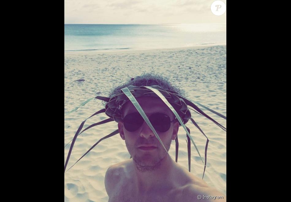 Mathieu Riebel, sa dernière photo sur Instagram, sur une plage de Nouvelle-Calédonie en octobre 2017. L'étudiant et coureur cycliste licencié au VCA du Bourget a trouvé la mort à 20 ans lors du Tour de Nouvelle-Calédonie, le 20 octobre 2017.