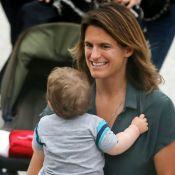 """Amélie Mauresmo, son fils Aaron """"se cultive"""" : Nouvelle photo craquante"""