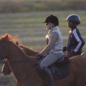 Madonna et son fils David : Balade à cheval sur une sublime plage portugaise
