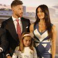 Sergio Ramos et sa compagne Pilar Rubio (enceinte) - Sergio Ramos prolonge son contrat avec le Real Madrid pour une durée de 5 ans lors d'une conférence de presse à Madrid, le 17 août 2015.