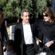 Nicolas Sarkozy, sa femme Carla Bruni et leur fille Giulia à la sortie ont visité le musée de l'Acropole à Athènes. Le 24 octobre 2017 © Aristidis Vafeiadakis / Zuma Press / Bestimage  October 24, 2017 - Athens, Greece - Former French President NICOLAS SARKOZY with his wife CARLA BRUNI visit Acropolis museum. The former french president with his wife Carla Bruni arrive in Athens for her world music tour, giving two performances at the iconic Pallas Theatre in Syntagma. ''French Touch'' is the title of Bruni's new album (to be released in October) and contains a collection of adaptations of well-known songs in English produced by the legendary producer, composer and musician David Foster24/10/2017 - Athens