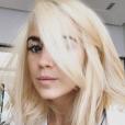 Erika Choperena, la femme d'Antoine Griezmann, est passée du chatain au blond, une nouvelle couleur de cheveux dévoilée sur sa story Instagram. Septembre-octobre 2017.