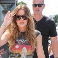 Kourtney et Khloe Kardashian emmènent Penelope et Mason chez Duff's Cakemix à Los Angeles le 28 juillet 2017.