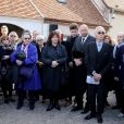 Dominique Lavanant, Jacques Jenvrin, le compagnon de Danielle Darrieux - Obsèques de Danielle Darrieux en l'église Saint-Jean Baptiste de Bois-le-Roi (Eure) le 25 octobre 2017.