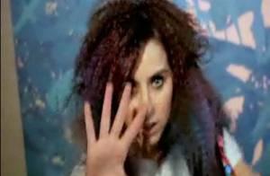 Lady Sovereign : après Michael Jackson, elle rappe sur The Cure et pique leur look ! Regardez la vidéo !