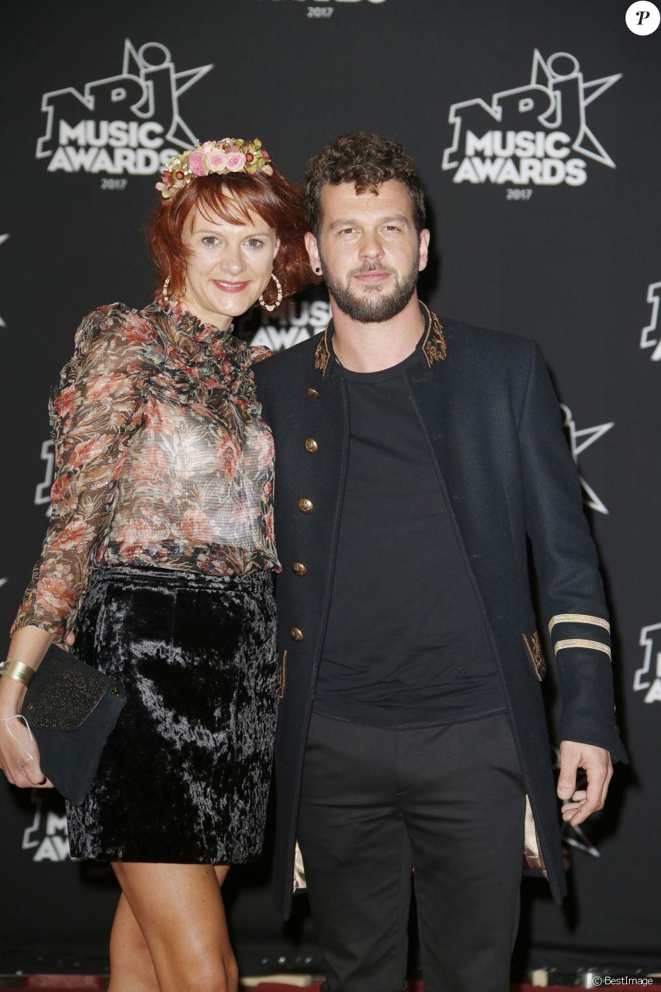 Claudio Capéo et sa compagne - 19ème édition des NRJ Music Awards à Cannes le 4 novembre 2017. © Christophe Aubert via Bestimage