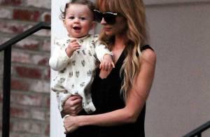 Quand Nicole Richie enceinte... caline sa choupinette de fille  !