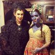 Tatiana Santo Domingo en Maléfique et Dana Alikhani en Kali, la déesse de la destruction dans l'hindouisme, au mariage sur le thème d'Halloween de Julio Mario Santo Domingo et Nieves Zuberbühler le 29 octobre 2016 à Brooklyn, New York. Photo Instagram Muzungu Sisters.