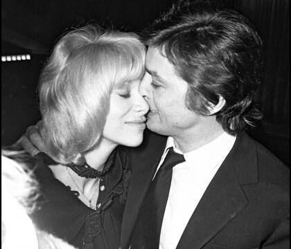 Mireille Darc : Son veuf dépeint sa relation avec Alain Delon