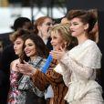 Bianca Balti, Helen Mirren, Maria Borges, Thylane Blondeau, Cheryl Cole, Jane Fonda, Barbara Palvin - Défilé de mode L'Oréal Paris sur l'Avenue des Champs-Élysées à Paris, le 1er octobre 2017.