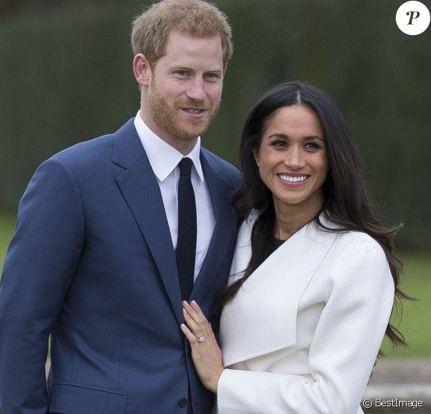 Le prince Harry et Meghan Markle à Kensington palace après l'annonce de leurs fiançailles le 27 novembre 2017.