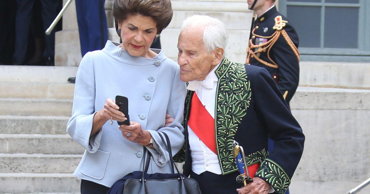 Jean d 39 ormesson et sa femme fran oise beghin c r monie d for Bureau jean d ormesson