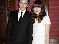Entre les splendides Keira Knightley et Emily Blunt... Rupert Friend ne sait plus où donner de la tête !