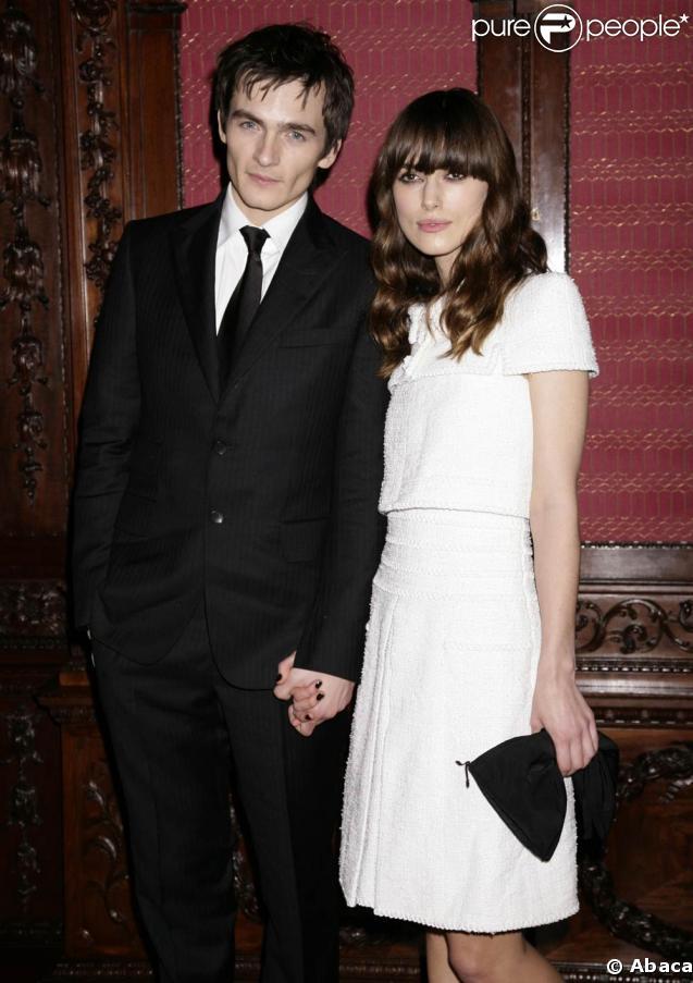 Rupert Friend et sa girlfriend Keira Knightley   224  l avant-premi  232 re de    Rupert Friend Girlfriend 2013