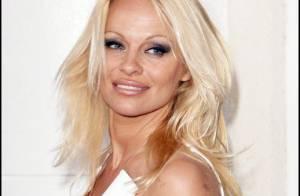 Pamela Anderson arrive à Paris... comme mannequin vedette du défilé Westwood !