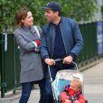 """""""Exclusif - Rose Byrne et son compagnon Bobby Cannavale se promènent avec leur fils Rocco à New York le 15 mai 2017"""""""