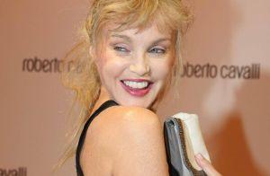 Arielle Dombasle : après son court-métrage érotique, elle interroge Nicolas Sarkozy sur... ses désirs !