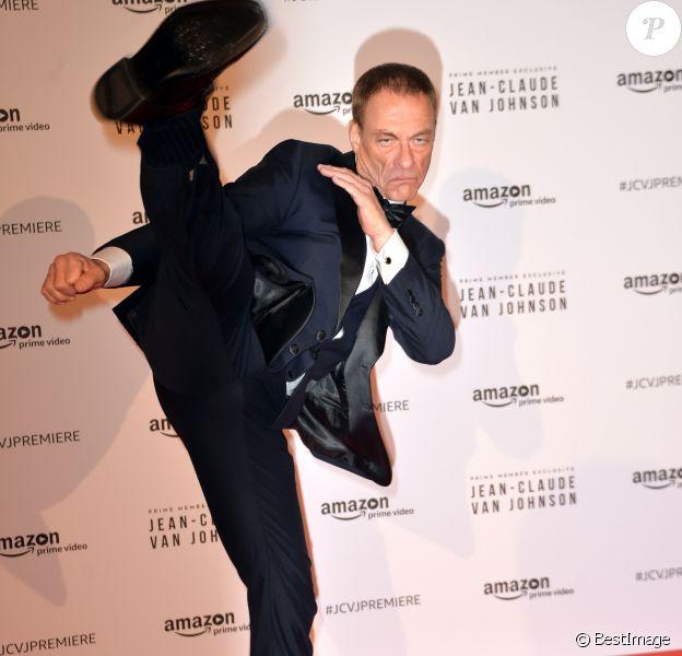"""Jean-Claude Van Damme - Présentation de la série """"Jean-Claude Van Johnson"""" par Amazon TV au cinéma Le Grand Rex à Paris, le 12 décembre 2017. © Veeren/Bestimage  Amazon TV """"Jean-Claude Van Johnson"""" serie presentation held at """"Le Grand Rex"""" cinema in Paris, France, on December 12th 2017.12/12/2017 - Paris"""