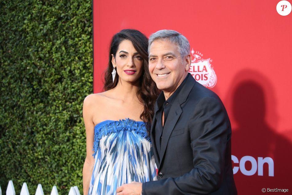 Amal et George Clooney à la première de 'Suburbicon' au théâtre Regency Village à Westwood, le 22 octobre 2017