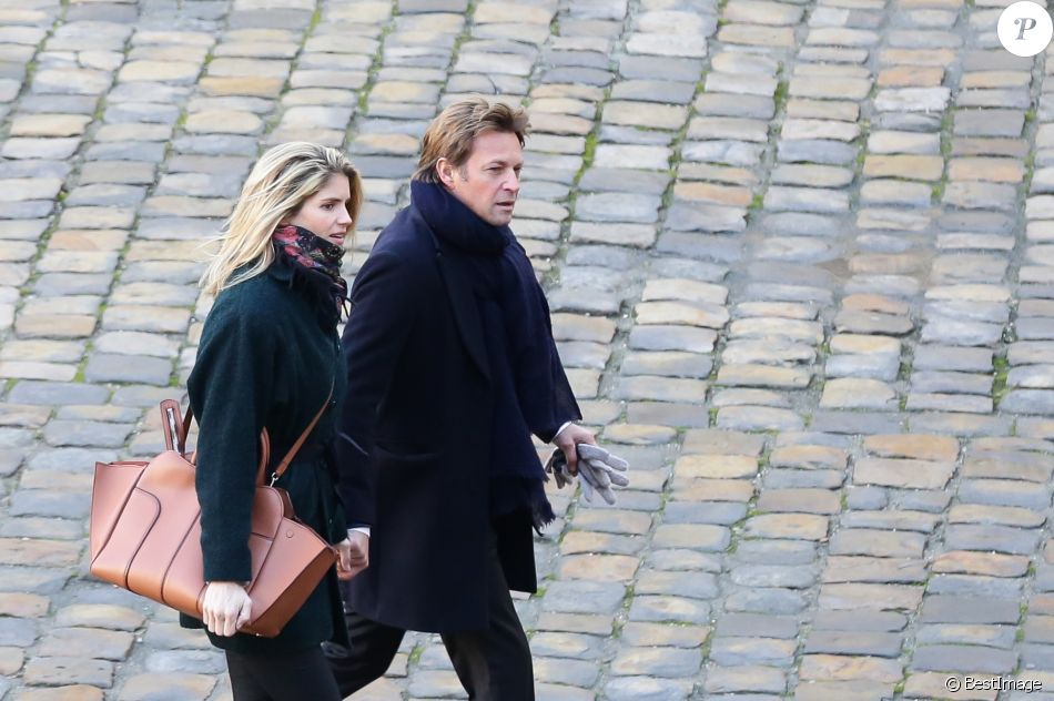 Laurent Delahousse et sa compagne Alice Taglioni lors de la cérémonie d'hommage national à Jean d'Ormesson à l'hôtel des Invalides à Paris le 8 décembre 2017. © Stéphane Lemouton / Bestimage