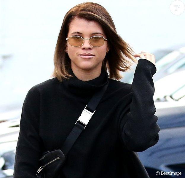 Exclusif - Sofia Richie retrouve sa couleur de cheveux naturelle après avoir passé 6 heures dans le salon de coiffure Meche Salon à Beverly Hills le 20 décembre 2017