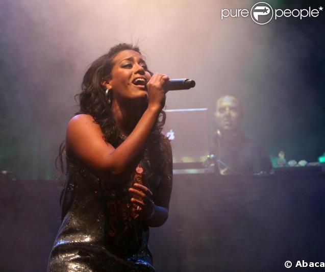 Amel bent en concert à moscou en novembre 2008