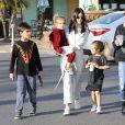 Kourtney Kardashian et ses trois enfants Mason, Penelope et Reign à Los Angeles. Le 26 décembre 2017.