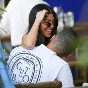 Kourtney Kardashian et Younes Bendjima : Le baiser de Noël, devant Scott Disick