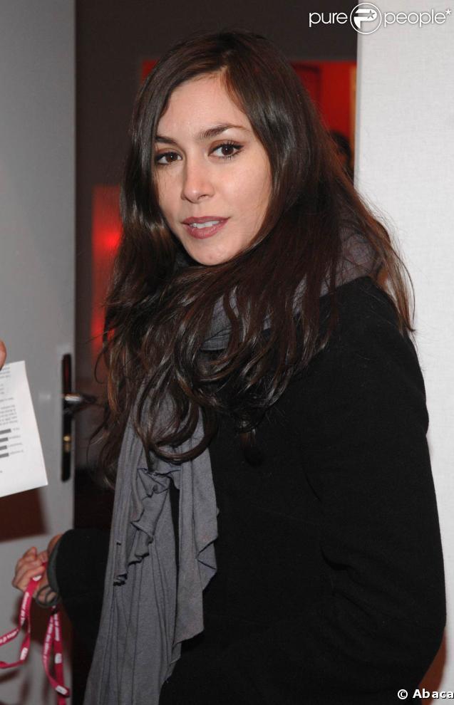 Alexis HK a réuni des... dizaines de figurants-stars pour son prochain clip, dont Olivia Ruiz !