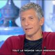 """Nagui dans """"Salut les Terriens"""" (C8), le 18 mars 2017."""