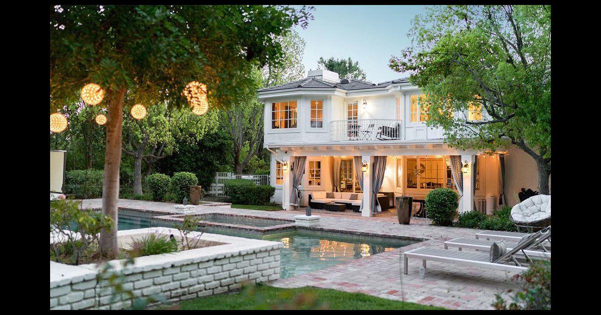 omar sy aurait mis en vente sa maison de los angeles purepeople. Black Bedroom Furniture Sets. Home Design Ideas