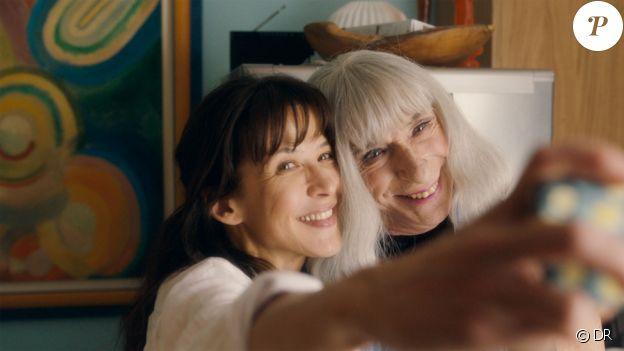 Image du film Une voisine si parfaite, de et avec Sophie Marceau, en salles le 7 mars 2018