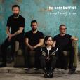 Dolores O'Riordan, les frères Noel et Mike Hogan et Fergal Lawler en photo pour la pochette de Something Else, le dernier album de The Cranberries, en 2017.
