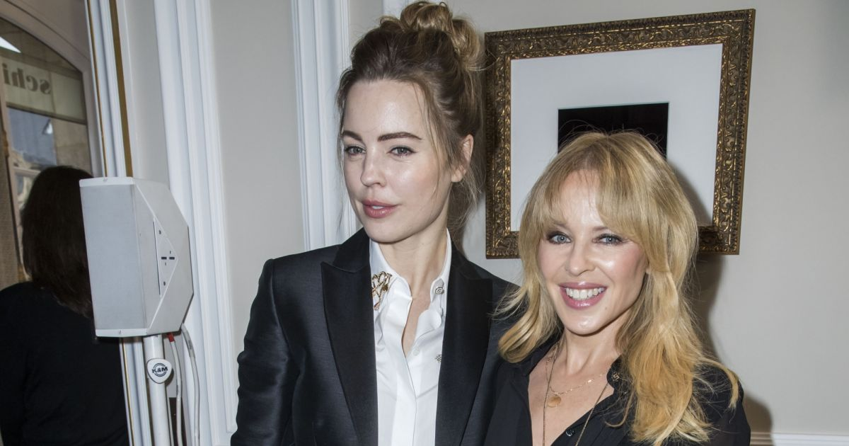 melissa george et kylie minogue d fil de mode maison schiaparelli collection haute couture. Black Bedroom Furniture Sets. Home Design Ideas