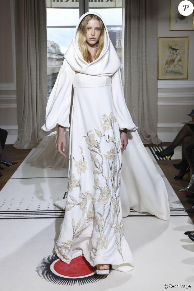 Défilé de mode Schiaparelli haute couture printemps-été 2018 à Paris, le 22 janvier 2018.