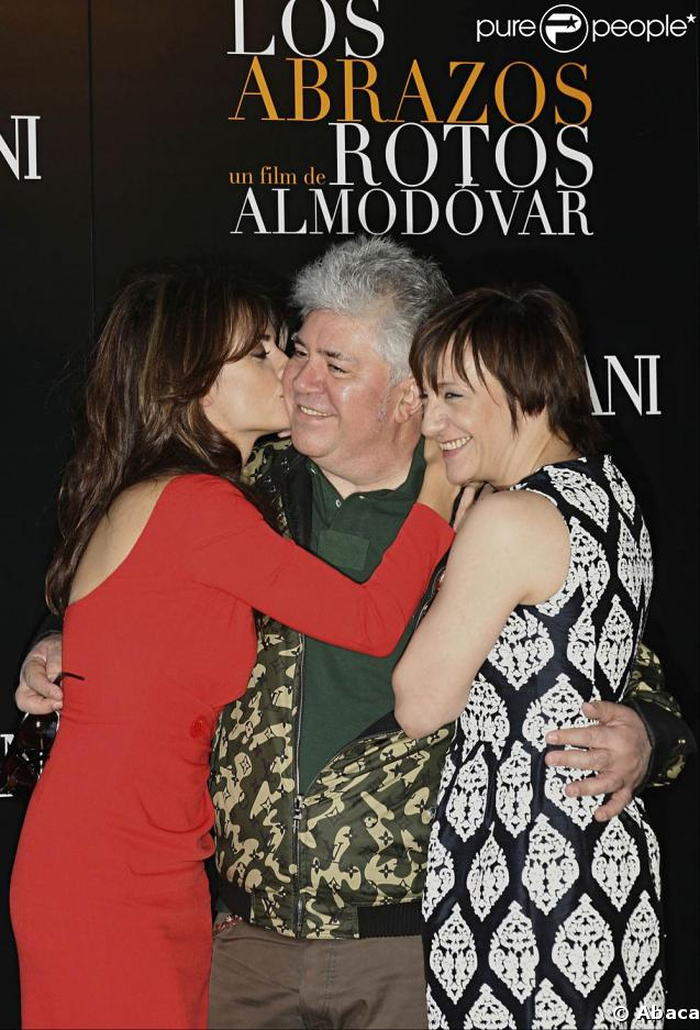 Pénelope Cruz, Pedro Almodovar et Blanca Portillo lors de la présentation à Madrid de Los Abrazos Rotos