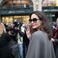 Angelina Jolie arrive à la maison Guerlain sur les Champs-Elysées à Paris le 30 janvier 2018.